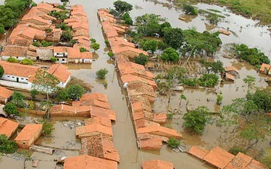 Visita aérea de região alagada no Maranhão