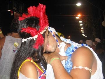 Troque seu colar por um beijo